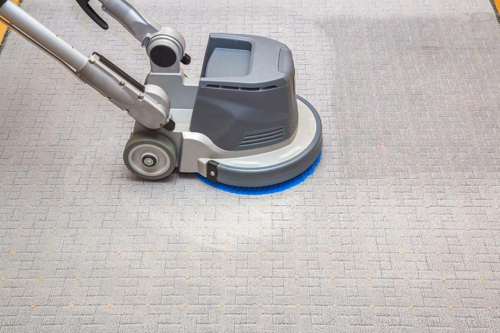 Quelques équipements appropriés pour le nettoyage d'une moquette